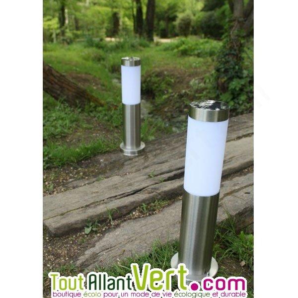 Balise solaire lumineuse fixer ou planter pour jardin - Balise de jardin solaire ...