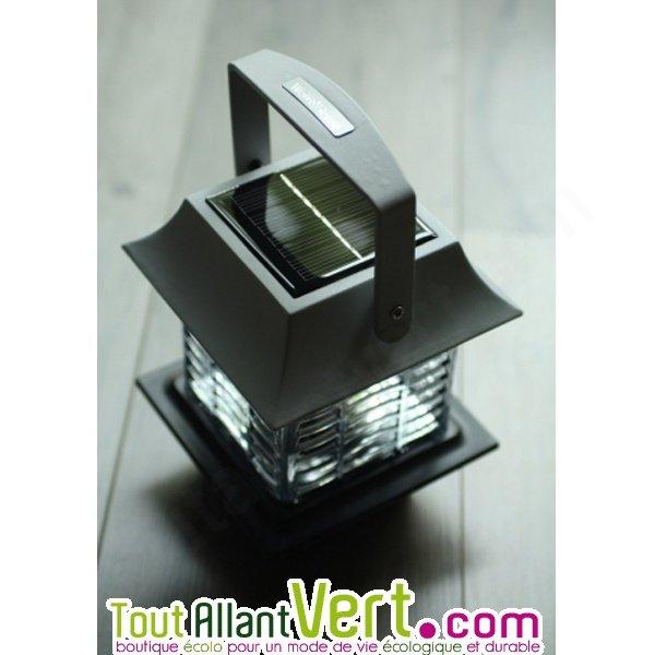 lampe anti moustique solaire lectrocution grille lumi re bleue. Black Bedroom Furniture Sets. Home Design Ideas